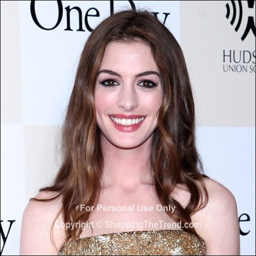 Anne Hathaway One Day: Anne Hathaway Hairstyle @ 'One Day' New York Premiere